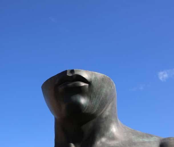 Headless-Pompaii-Italy-Moonshine-Agency