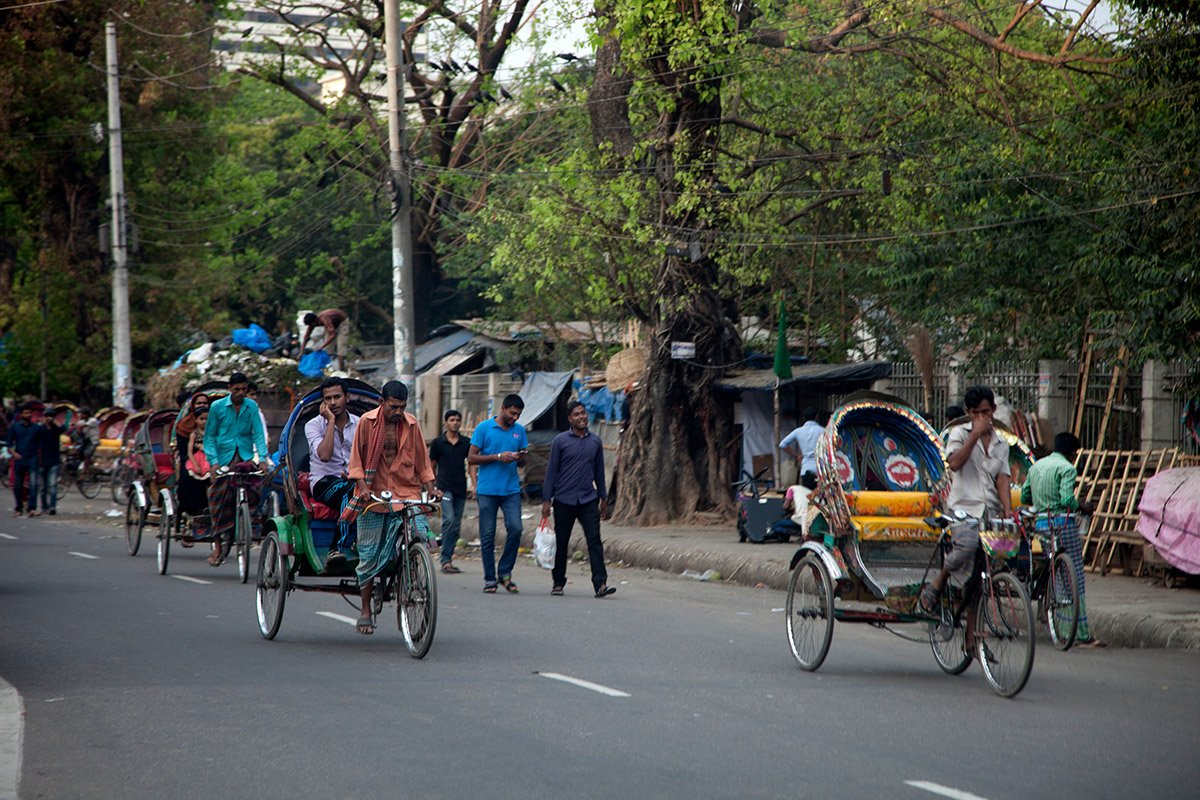 Bangladesh bikes on street